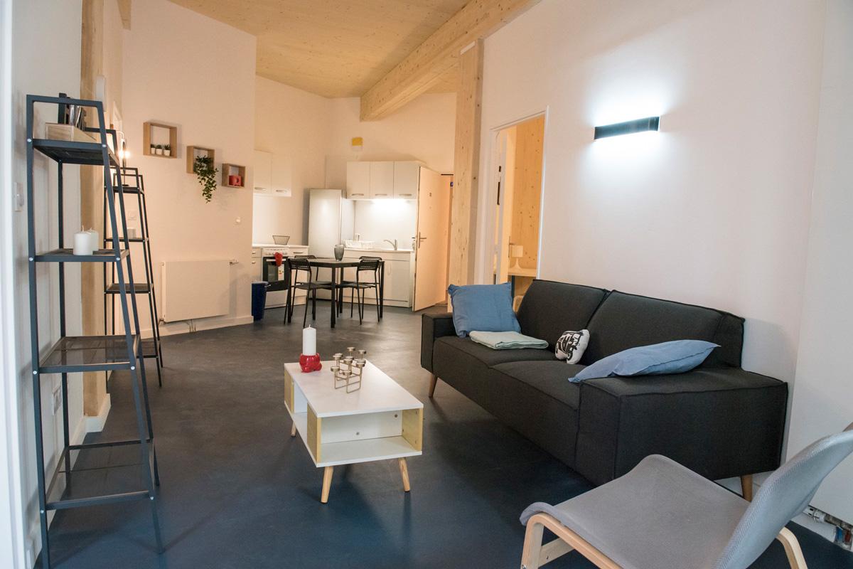 Rehabilitación de los antiguos baños-duchas en la residencia de estudiantes y espacio de coworking 34 rue Castagnary