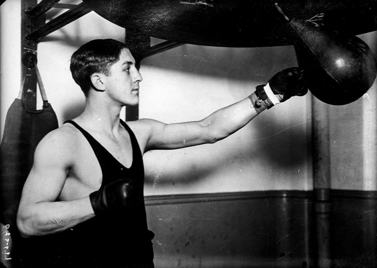 Georges Carpentier (1894-1975), boxeur français, à l'entraînement, vers 1912.