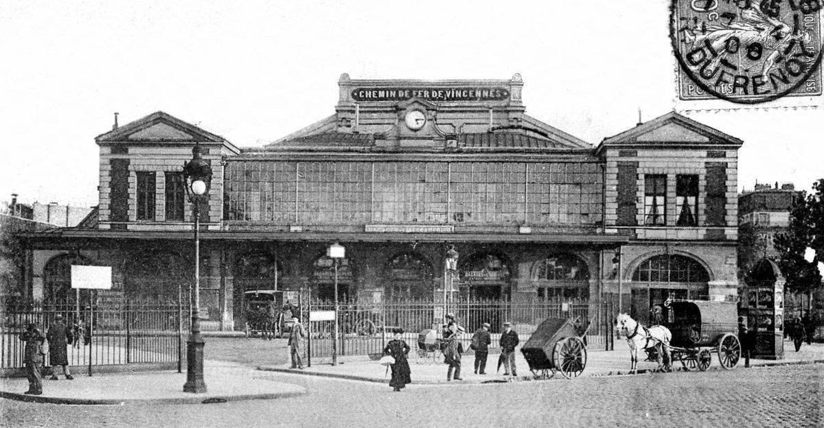 Place de la Bastille. L'ancienne gare de Vincennes au début du 20e siècle.