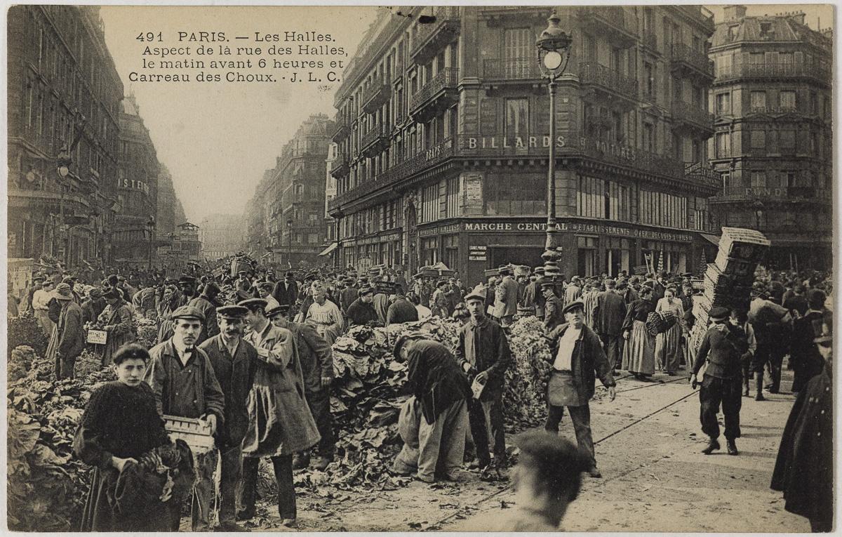 Les Halles. Aspect de la rue des Halles le matin avant 6 heures et Carreau des choux, rue Baltard. Paris (Ier arr.), 1906.