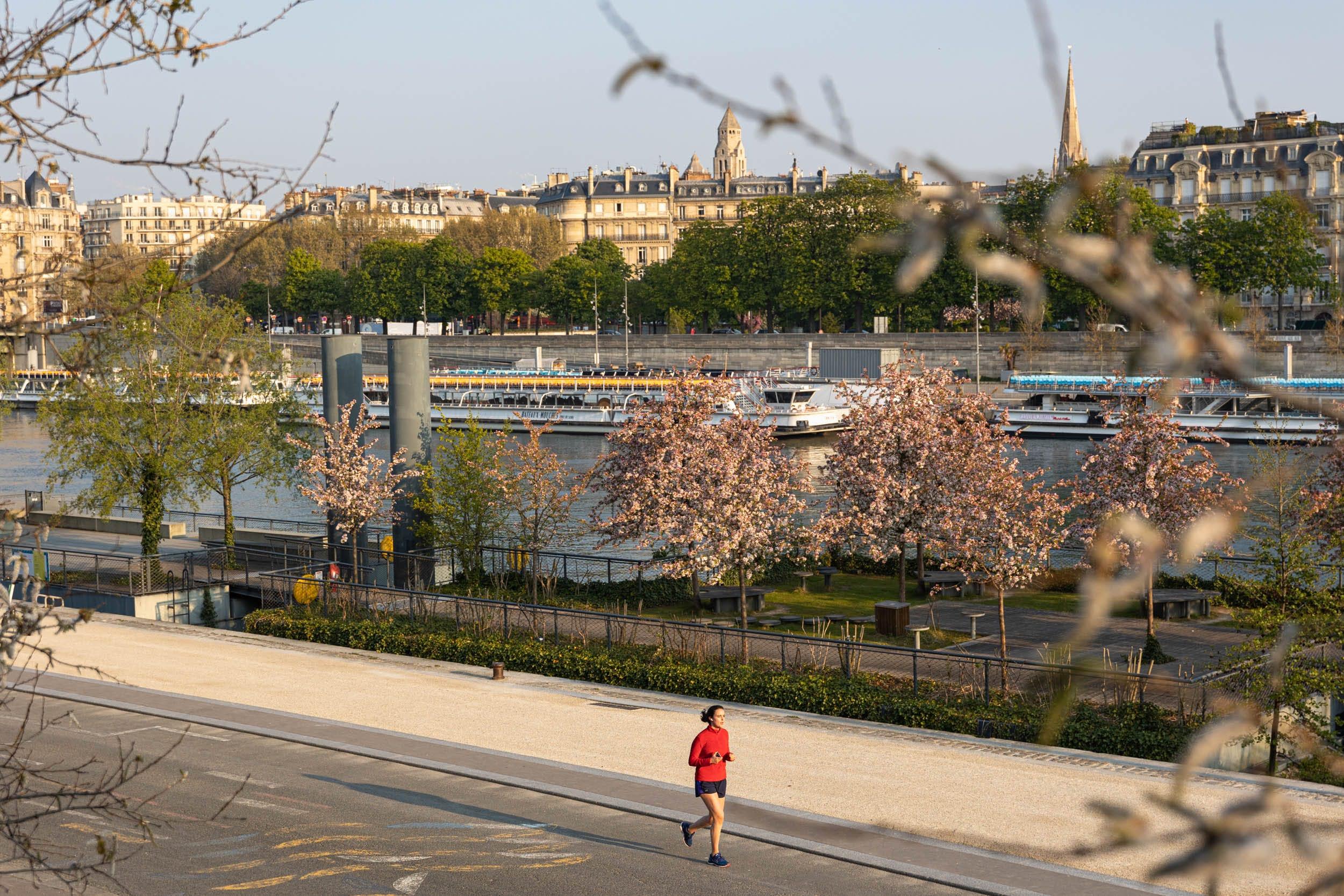 Future promenade Gisèle Halimi sur les berges de Seine rive gauche entre le pont des Invalides et le pont de l'Alma (7e)