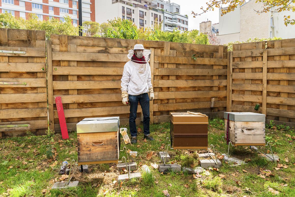 Milo Galli, apiculteur du rûcher du Square Majorelle 11e arrt.