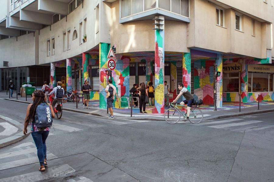 Embellir Paris : Up Side Down Town de Daniel van der Noon