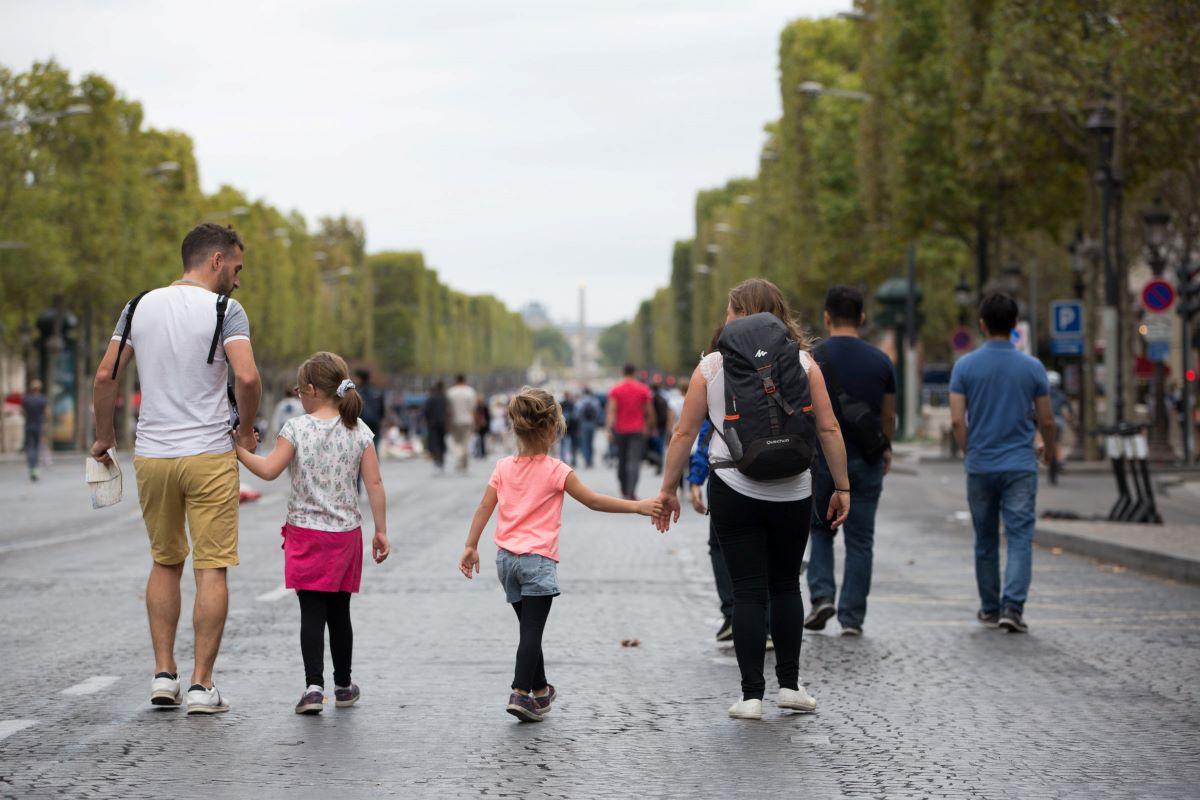 Journée sans voiture sur les Champs-Elysées