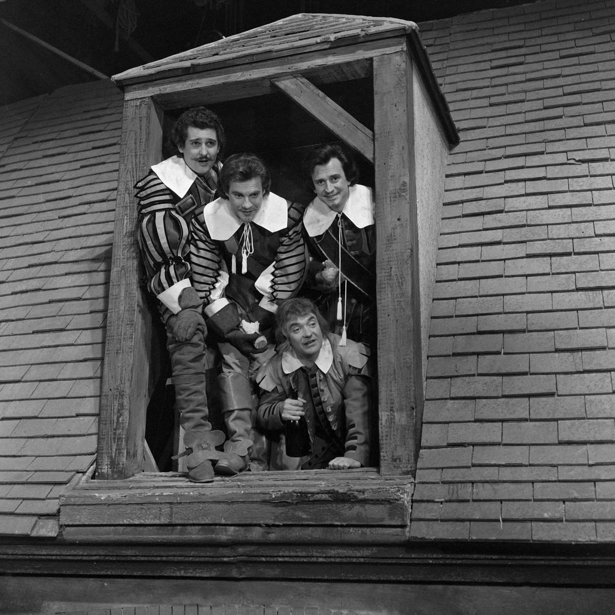 """""""Les Trois Mousquetaires"""", film de Bernard Borderie, d'après le roman d'Alexandre Dumas. Bernard Woringer, Jacques Toja, Georges Descrières et Jean Carmet. France-Italie, 1961."""