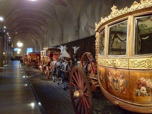 La Galerie des carrosses dans les Grandes écuries à Versailles