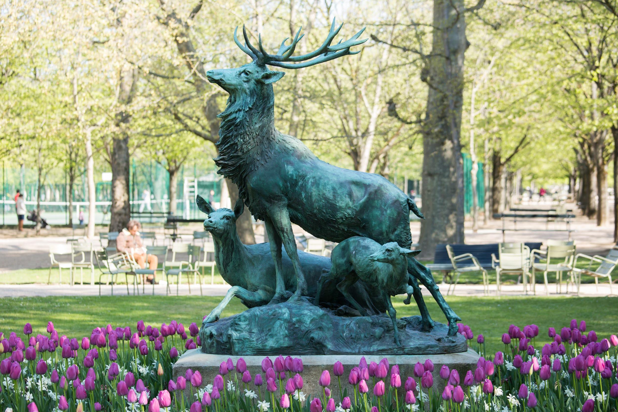 Sculpture de cerfs de 1885 au jardin du Luxembourg