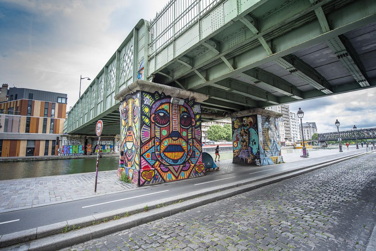 Street Art sur le canal de l'Ourcq avec les artistes Da Cruz, et Azul.