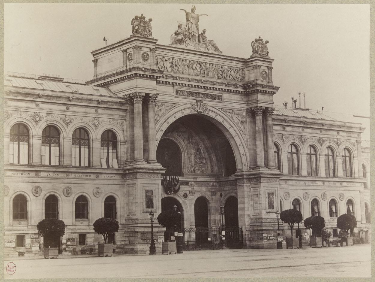 Façade du palais de l'Industrie sur les Champs Elysees (8e) vers 1865