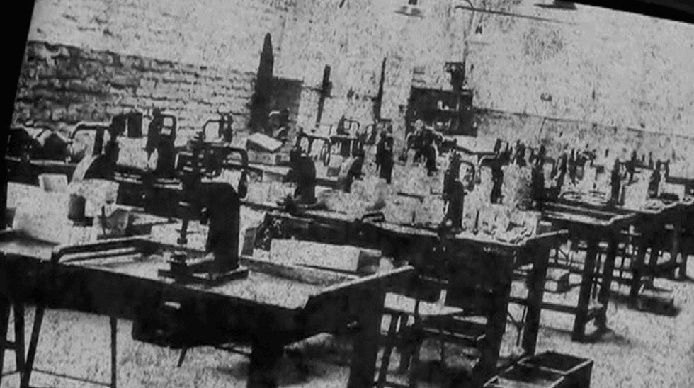 Fragments liminaires (la manufacture) - Estefanía Peñafiel Loaiza