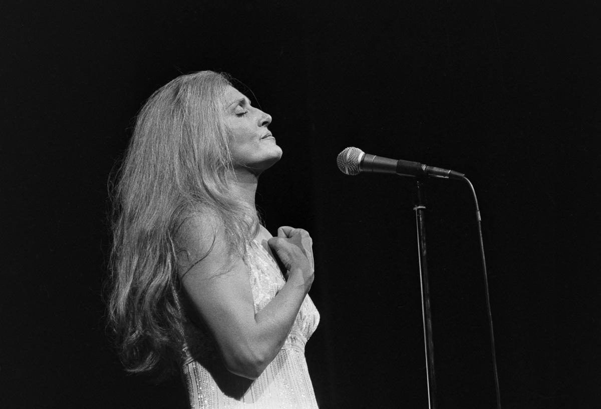 Dalida (1933-1987), chanteuse et actrice française. Paris, Olympia, 1977.