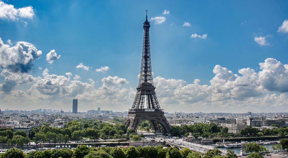 La Tour Eiffel depuis le toit du musée de l'architecture