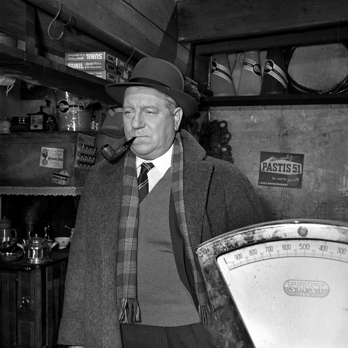 """""""Maigret et l'Affaire Saint-Fiacre"""", film de Jean Delannoy, d'après le roman de Georges Simenon. Jean Gabin. 1958."""