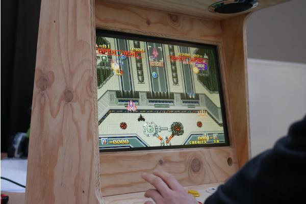 Atelier Fabrication d'une borne d'arcade |