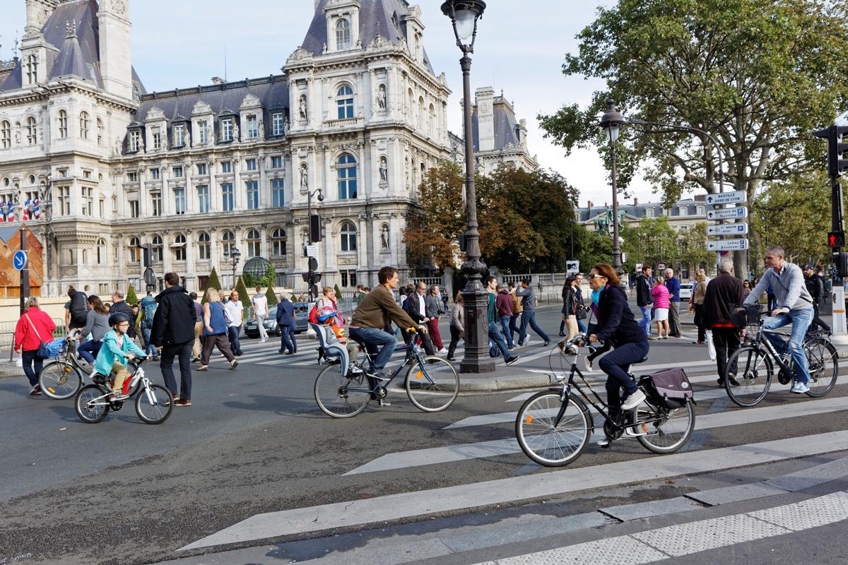 La journée sans voiture permet aux piétons et vélos de circuler librement.