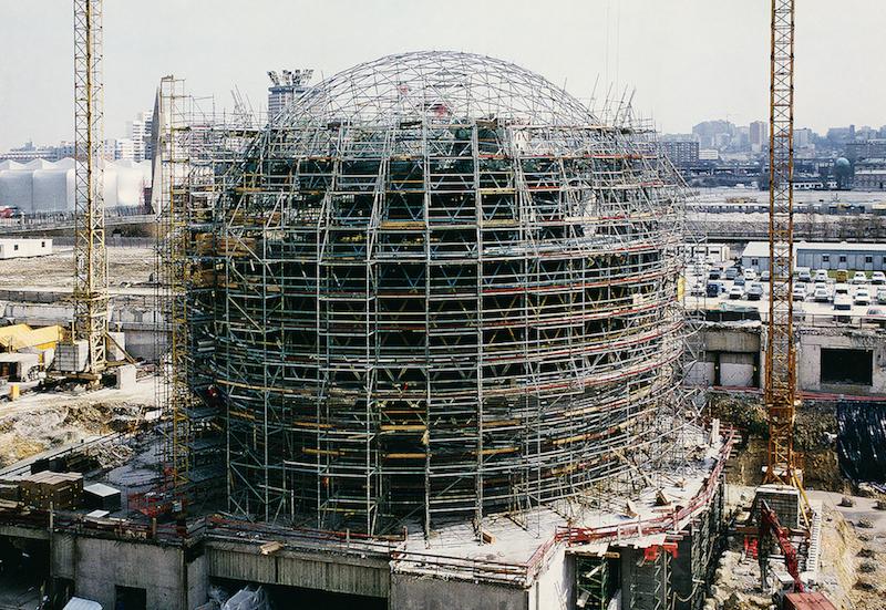 Chantier de construction de la Géode, 1983 à 1985