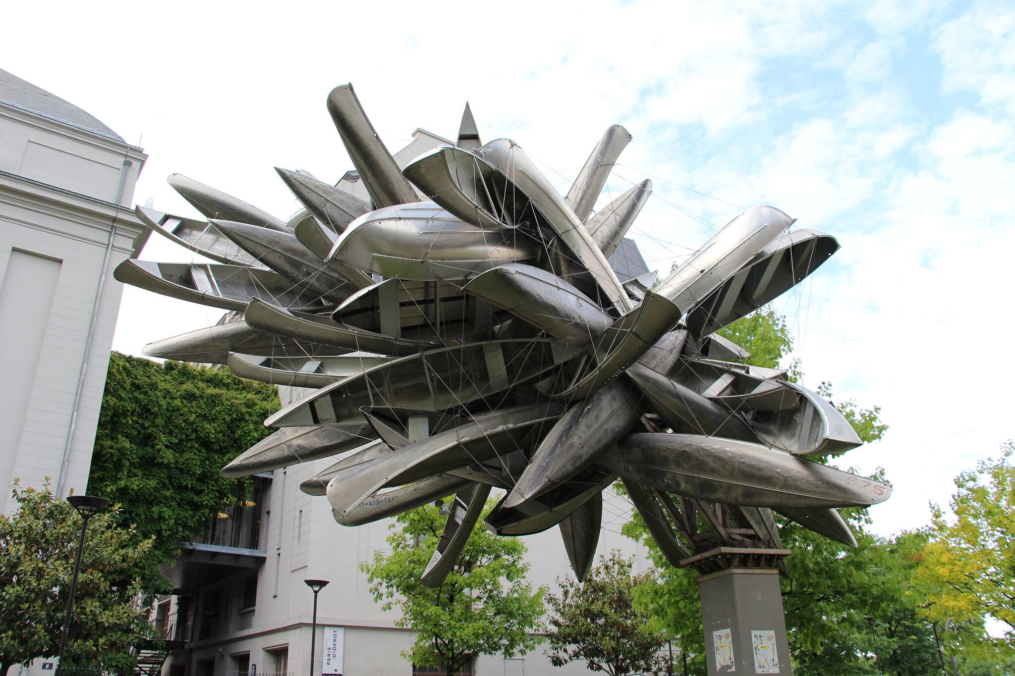 Monocromo para París, Nancy Rubins
