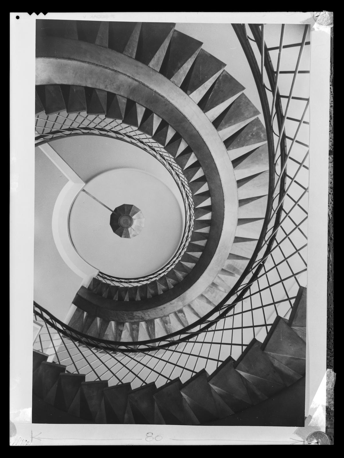 Paul Henrot, Escalier de l'IRSID (Institut de recherche de la sidérurgie) à Saint-Germain-en-Laye, 1953, Négatif souple, Don Marcelle Henrot, 1987, Paul Henrot /
