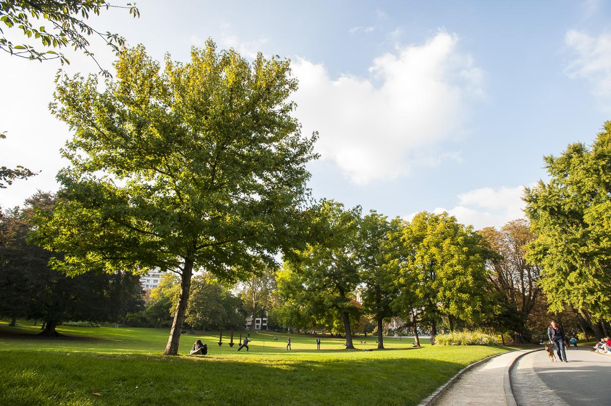Détente au parc Montsouris.