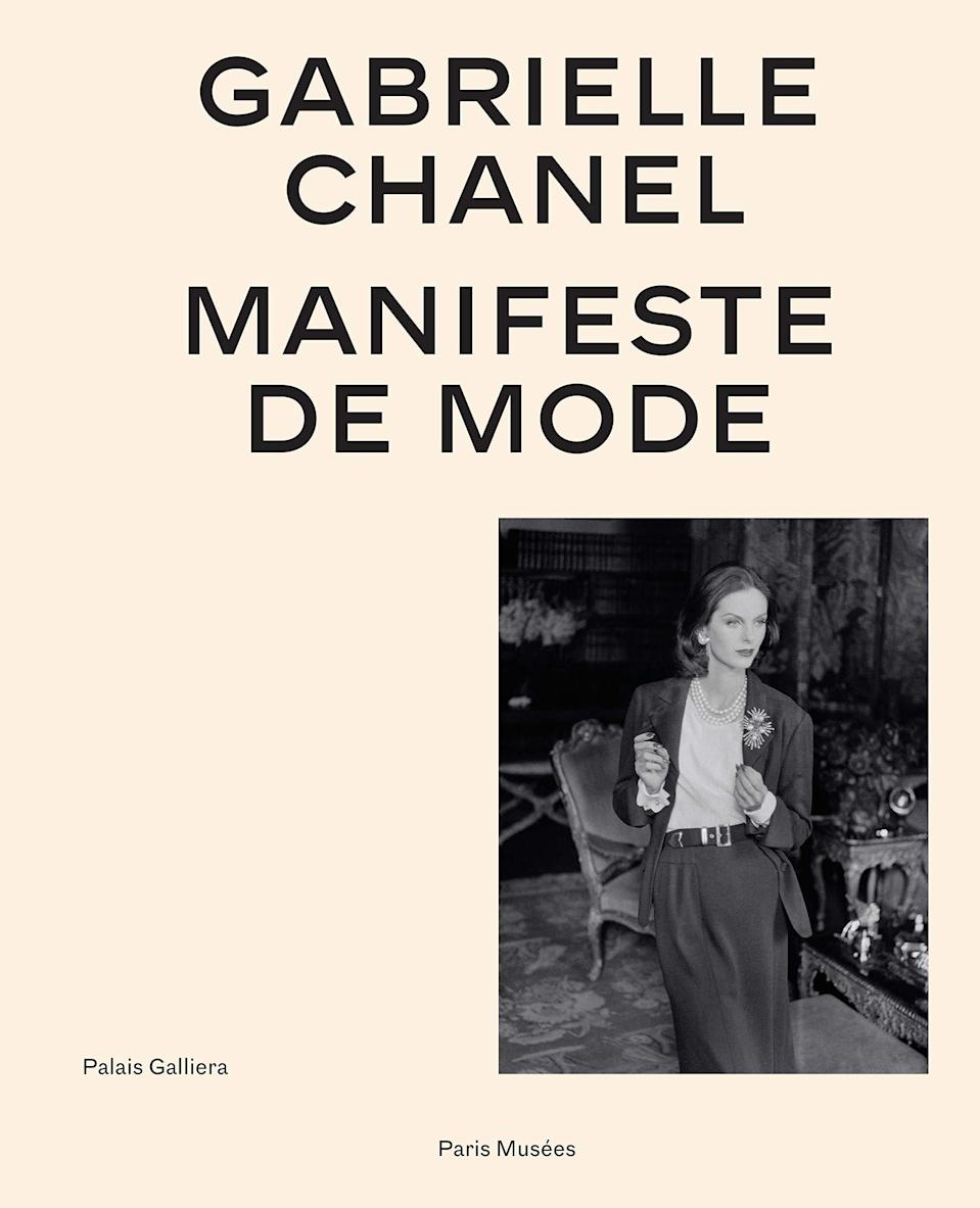 """Gagnez le livre """"Gabrielle Chanel, Manifeste de mode"""""""