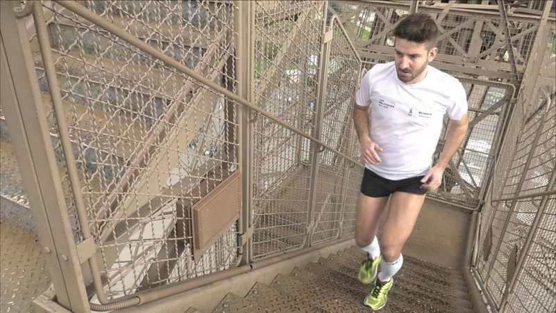 Course la verticale de la Tour Eiffel