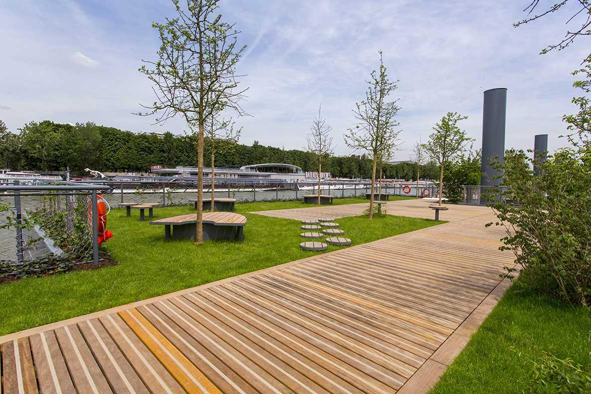 Jardin de l'archipel des Berges de Seine Niki-de-Saint-Phalle