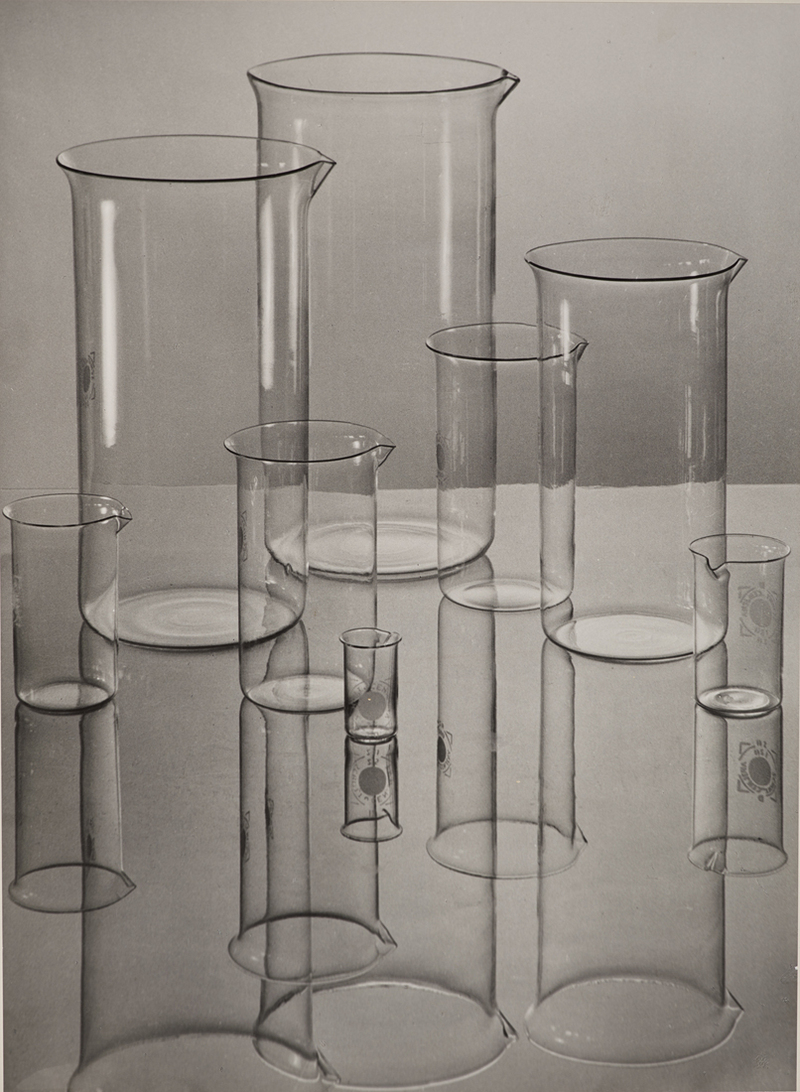 Jenaer Glas (Zylindrische Gläser) [Verrerie d'Iéna (béchers)], 1934 Albert Renger-Patzsch Museum Folkwang, Essen.