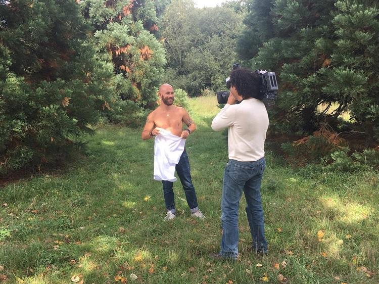Julien Claudé Pénégry, en charge du projet, se met à nu devant les caméras