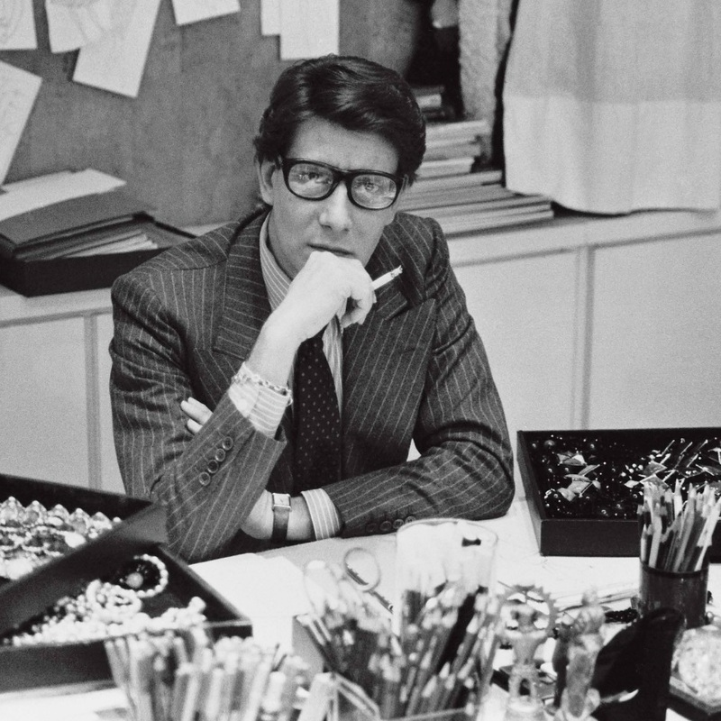 Yves Saint Laurent dans son studio, 1986