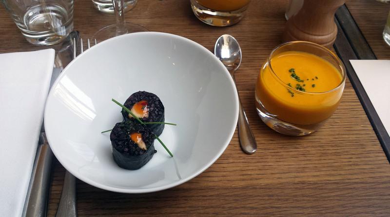 Makis de banane plantain et riz noir - Gazpacho Carottes, jus d'orange et cumin - Le Niébé