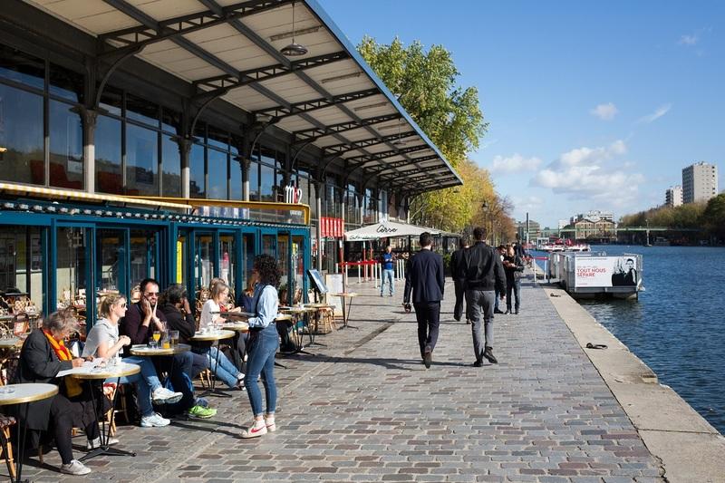 terrasse sur le Bassin de la Villette
