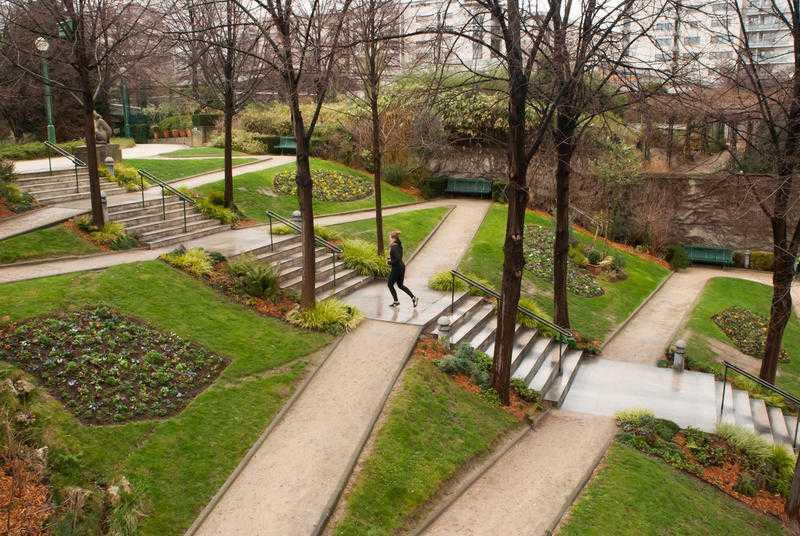 Jogging au jardin de Reuilly par temps gris