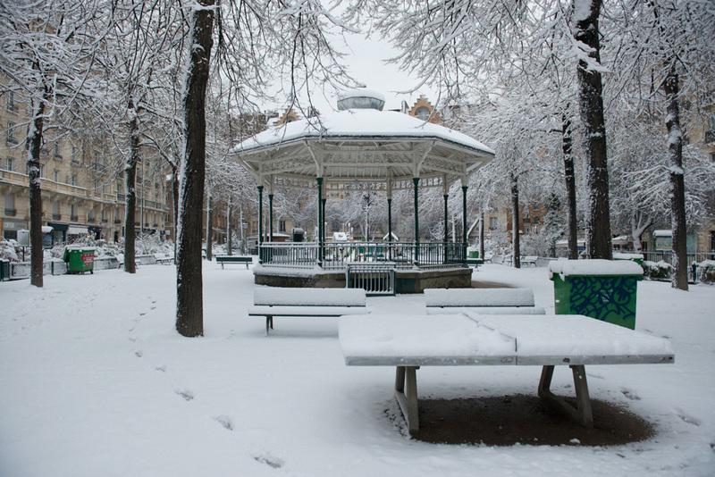 Square sous la neige