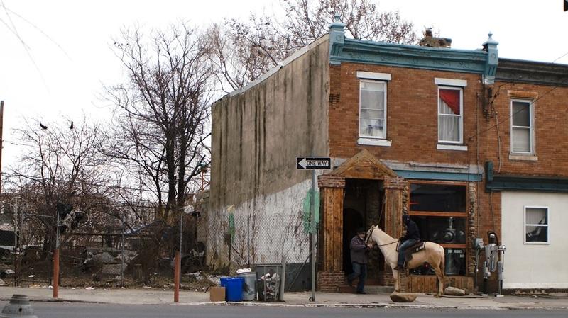 Mohamed Bourouissa Horse Day, 2015 Diptyque vidéo (couleur, son), 13'39''