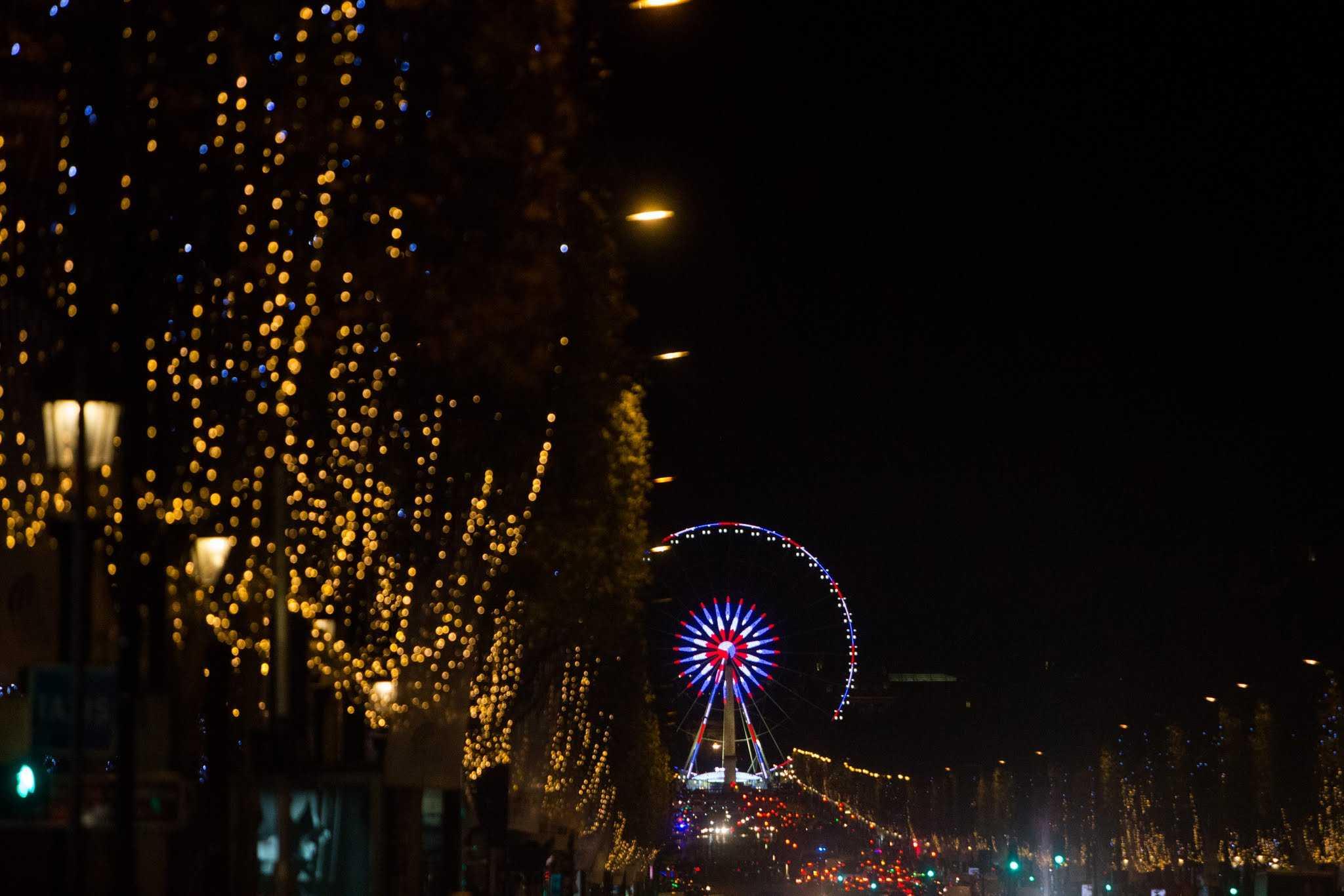 Illuminations de l 39 avenue des champs elys es 2016 2017 - Illumination noel paris 2017 ...