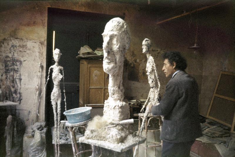 Alberto Giacometti dans son atelier, vers 1960
