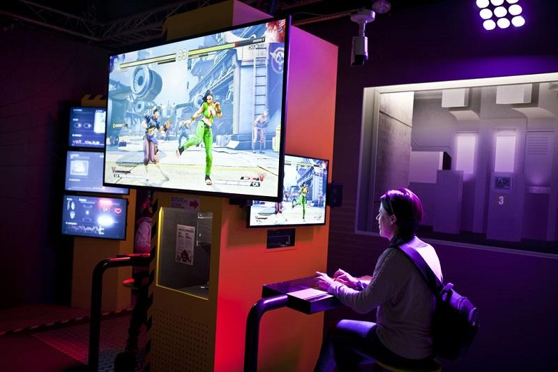 Exposition permanente E-lab, espace jeux vidéo à la Cité des sciences et de l'industrie