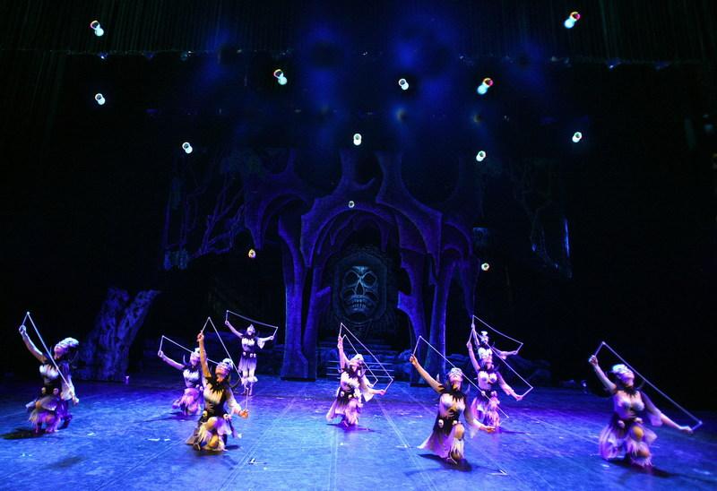 Cirque Phoenix/le roi singe