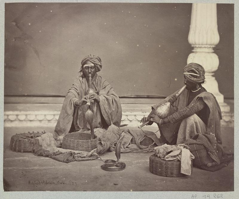 Sans titre, Charmeurs de serpents Shepherd (actif 1858-1878) & Roberston (actif vers 1862-1864) Épreuve sur papier albuminé, 1862-64, n°1123, AP15493