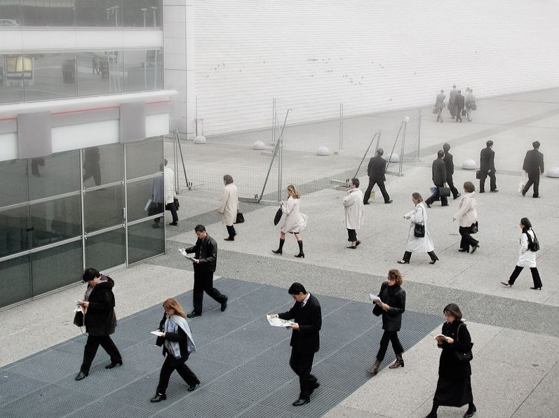 Série « Les Troupes de la Défense, quartier de la Défense », 2004. Impression jet d'encre pigmentaire (matrice numérique), 24 × 30 cm