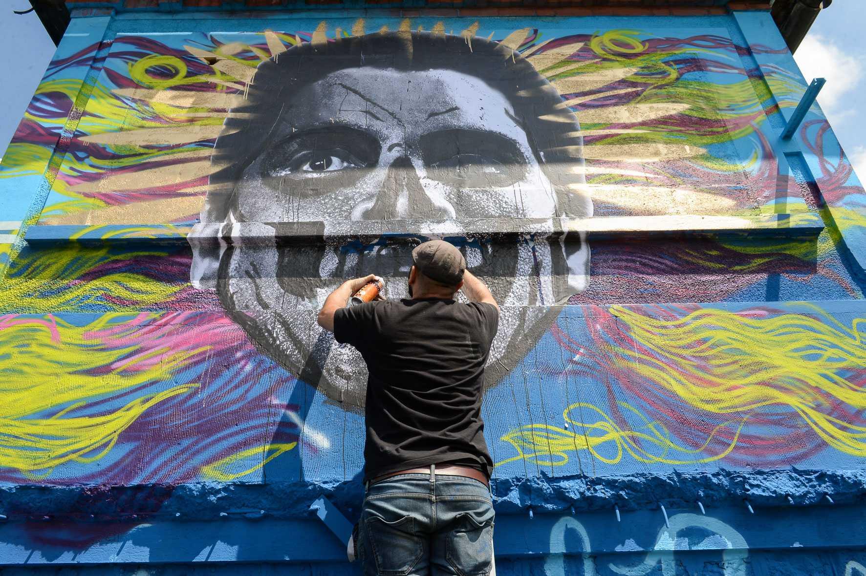 Street Art Avenue - Blue Aucwin