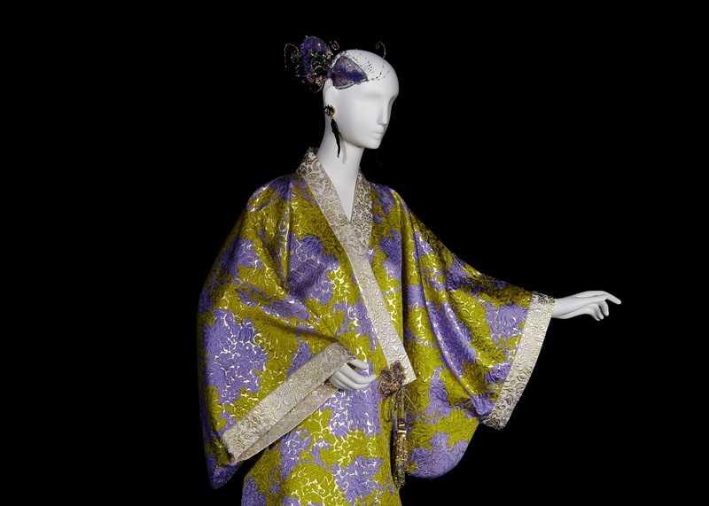 Yves Saint Laurent (1936-2008) collection haute couture automne-hiver 1994