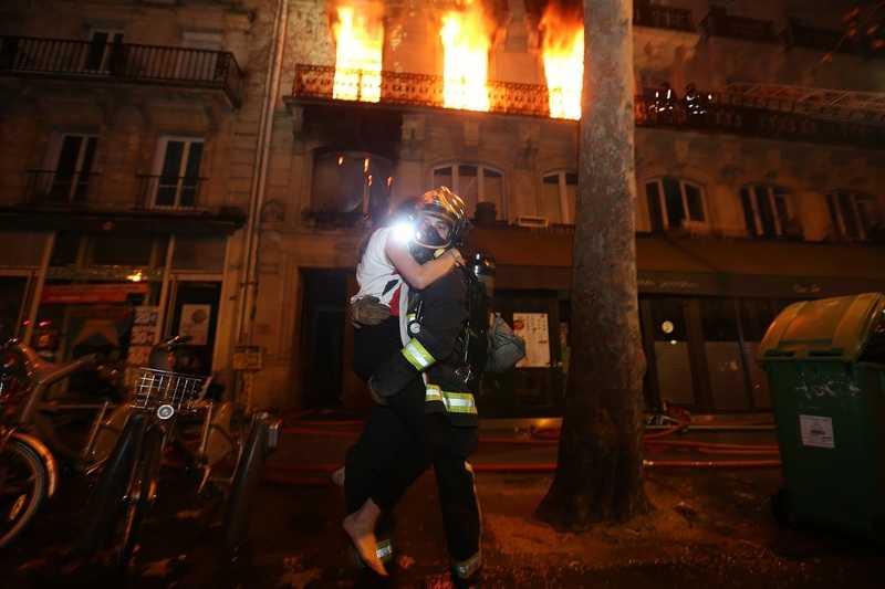 """Image extraite de l'expo """"Pompiers de Paris"""""""