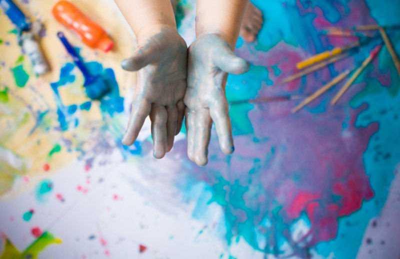 enfants et peinture