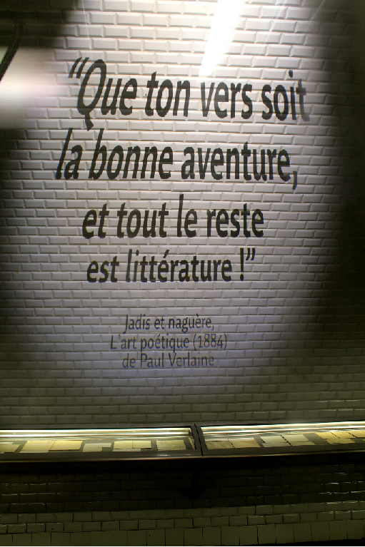 Balade poétique, quand les mots prennent le métro |