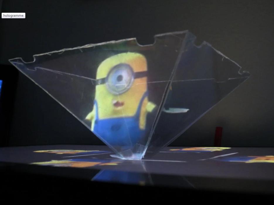 Viens créer ton hologramme ! |